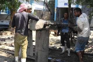 نائب محافظ قنا يتفقد أعمال حفر الآبار الشاطئية وتوصيل المياه لقريتىّ الشعانية والبطحة بنجع حمادى